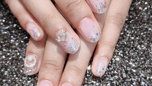 美甲教学,一款十分漂亮的亮片指甲