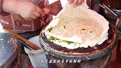 路边随便一家小摊,6块钱一卷的枣庄菜煎饼,吃到撑!