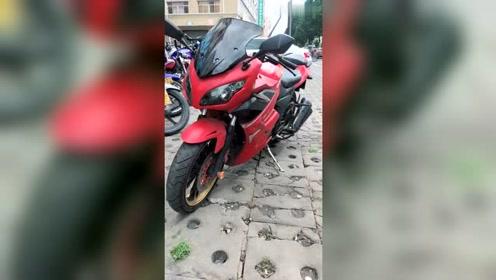 铃木红色摩托车真的是好看!