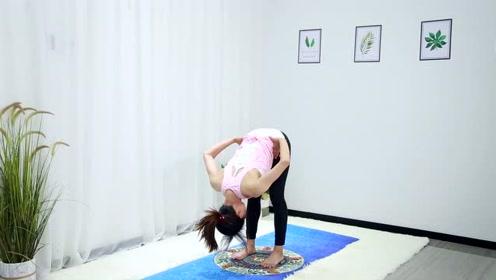 瑜伽教学:舒缓全身,拉伸腿部,每天坚持弯腰10次,效果特别好