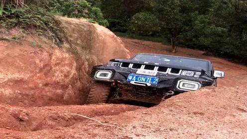 牧马人实力爬陡坡,老司机越玩越野,玩越野只有怂人没有怂车!