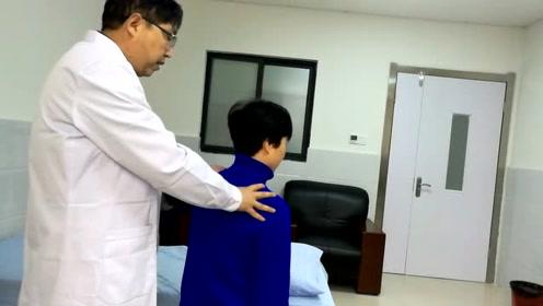 肩胛骨后侧疼痛怎么办,因菱形肌拉伤造成肩胛骨后侧疼痛治疗方法