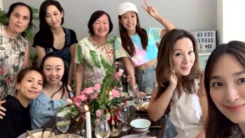 吴佩慈回娘家度假,与名媛开心聚餐,十万元鱼子酱放手背拍照