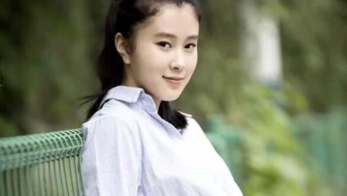 离开杨子她活成这样,和16岁女儿像姐妹,女儿考进哈佛显高智商