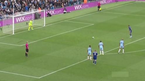 点球罚进裁判说无效,还亮出了黄牌,这究竟是为什么?