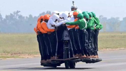 印度土豪逼问中国游客:我们每户都有摩托车,你们那里行吗?