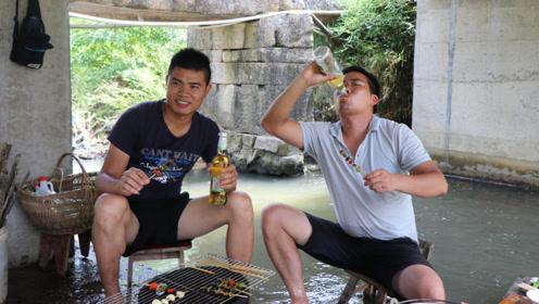 中国哪个地方最会吃田螺?我佩服湖南人,5斤田螺,拌着辣椒吃