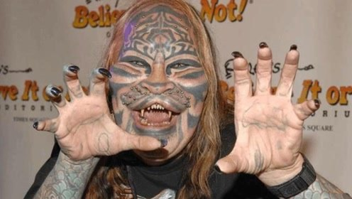 男子花费10年时间,将自己整容成老虎,网友:太吓人了!