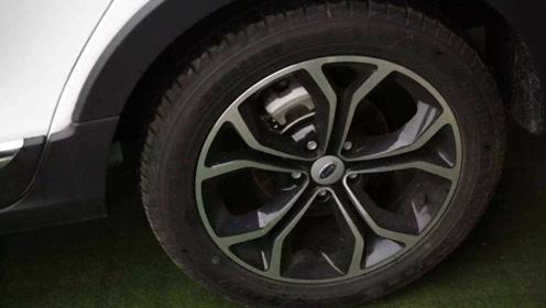 汽车轮胎都是黑色,难道不能有彩色吗?看完这3个原因就明白了