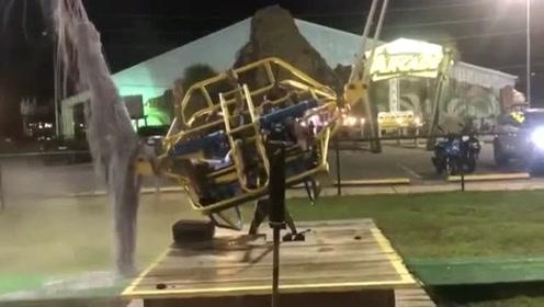 游乐园高空喷射缆绳突然爆裂成细线 乘客吓傻不敢乱动