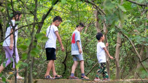"""村里""""求学路""""断了4年无人管,留守儿童绕行3小时才能到学校"""