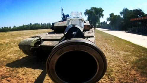 99A炮口端水杯前进,炮塔转动居然不撒,1项硬实力让人惊叹