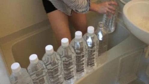 """日本已婚少妇""""泡澡"""",为啥在浴缸里放塑料瓶?老司机一眼看穿"""