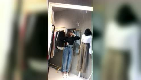 潮流时尚:美女小姐姐秋天该穿哪套漂亮衣服?