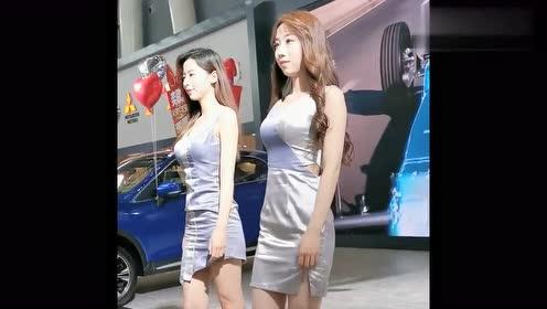 迎面走来的两个车模小姐姐,气质真是各有所长,你对哪个心动了!