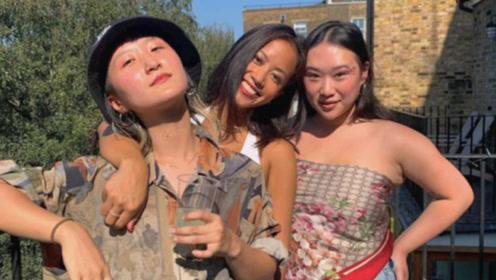 林忆莲21岁女儿近照曝光,肚兜造型欧美味 ,身材和母亲是极端