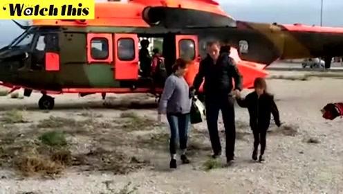 西班牙东南部洪水已致多人死亡 救援直升机吊起被困灾民