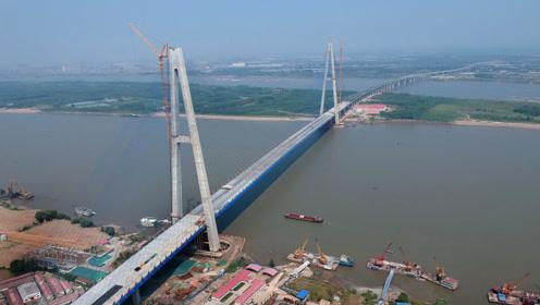 中国基建再出杰作:世界上跨度最大的全漂浮体系斜拉桥完工!