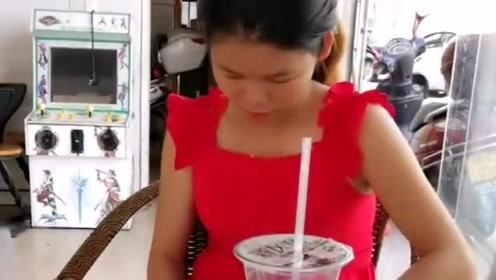 第一次见面,就带她喝杯奶茶得了,实在没啥感觉