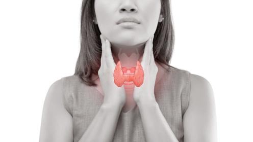 45岁女子被确诊恶性淋巴瘤,烟酒不沾,却忽视了身体1个症状