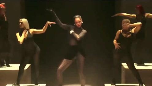 Rihanna最新Savage X Fenty时装秀开场表演
