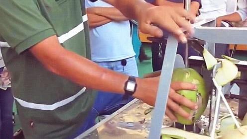 农村男子设计开椰子工具,看完现场演示才知道为啥能获得专利了