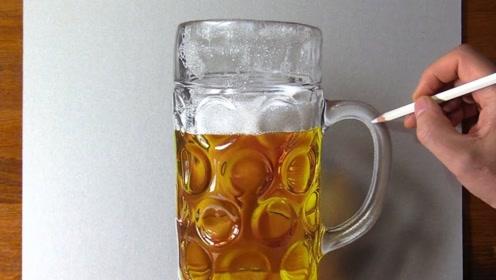 欺骗视觉的一张图,本想端起这杯啤酒喝一口,结果却尴尬了!