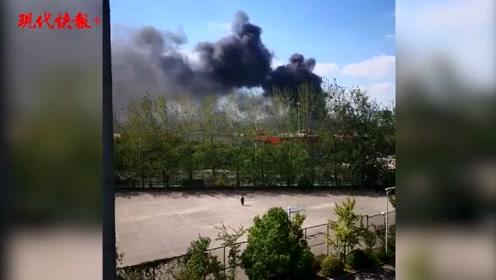 南京江宁一胶粘厂发生火灾,无人员伤亡