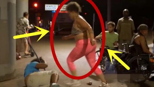 不要惹怒女人,动起手来真是比男人都猛,路人拍下全过程!