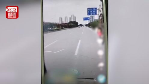 吊车司机边开车边发视频 同行举报:我师傅就是被这种人撞死的