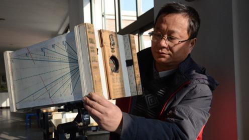 他用字典 钢丝球做相机拍太阳 一张照片拍三年
