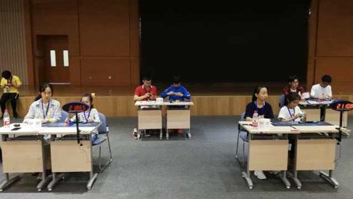 苏州魔方公开赛举办,百余中外选手参赛