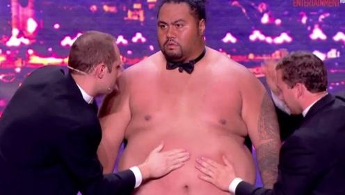 小胖子参加达人秀,二话不说就脱下衣服,下一秒全场一片沸腾!