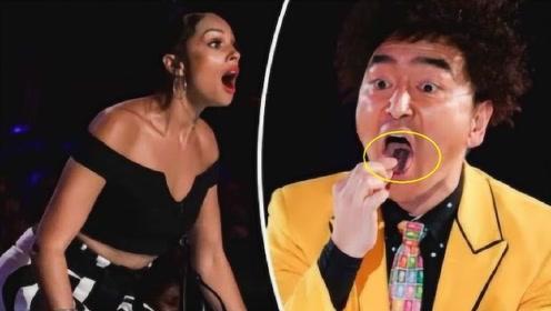 """中国民间牛人表演""""生吞刀片"""",老外全程震惊脸,观众都坐不住了"""