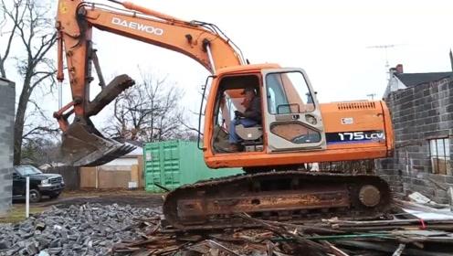 大宇175挖掘机,啥年代了,还有这个品牌的车,早该淘汰了