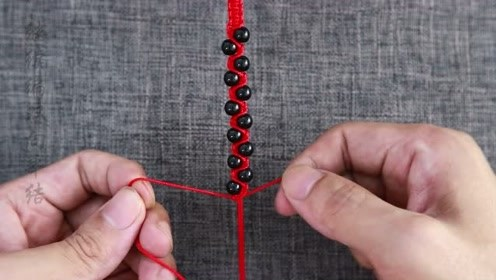 手链编织:教你编织一款时尚的红绳手链,零基础也能轻松学会