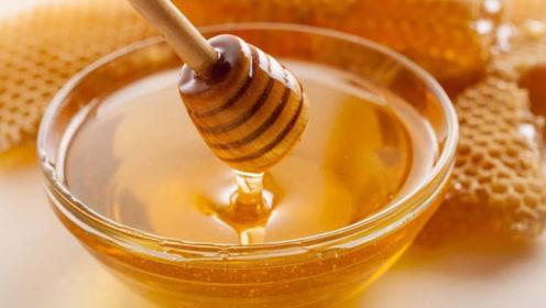 蜂蜜放了三年多还能继续吃吗?听完专家的解释,幸亏及时知道!