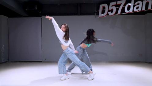 「D57团考」咸咸翻跳《看我七十二变》蔡依林
