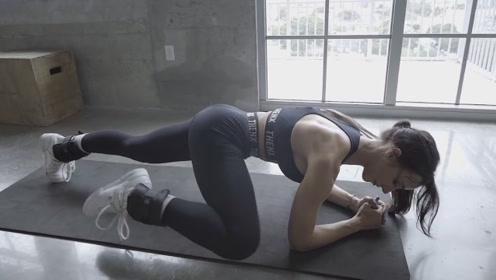 女孩如何锻炼腹肌?健身女神示范马甲线训练动作,3个月就有效果