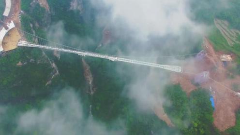 中国最长的玻璃栈道,去过的都得跪着回来,网友:光看就腿软