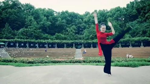 一段久违的古风《知否知否》,被美女老师跳出古典美!