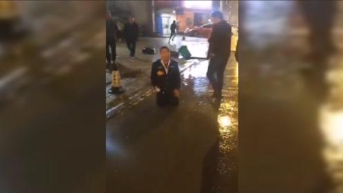 山东菏泽一公交车连撞4辆电动自行车致2死3伤 司机已被控制