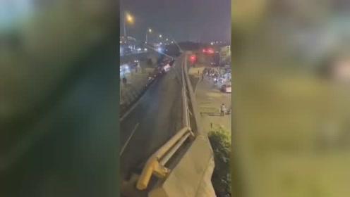 312国道锡港路上跨桥路段出现桥面垮塌 多角度监控记录下事发瞬间
