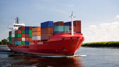 为何货轮装几十米高的集装箱,遇到再大的风浪也不会翻船?