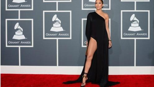 世界上腿毛最贵的女人,她的一根腿毛,是我们好几年的工资
