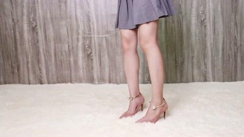 为什么女生都爱高跟鞋一双鞋搭配一条裙
