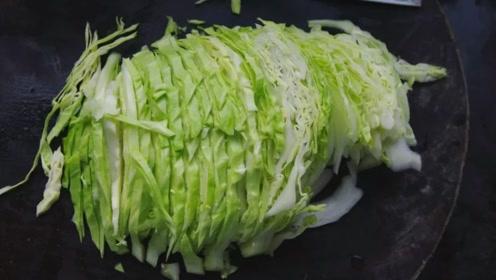 这两物千万别和黄瓜搭配吃,毒性太大伤身体,医生从来都不吃!