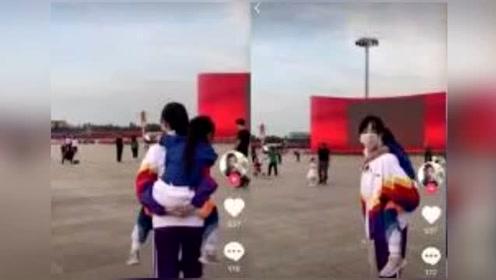 网曝李小璐与贾乃亮已完成财产分割,拿到孩子抚养权