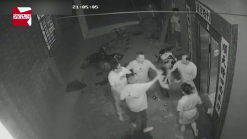 监拍:广西桂林一醉酒男嫌摩托车挡路,动手狂砸还殴打邻居