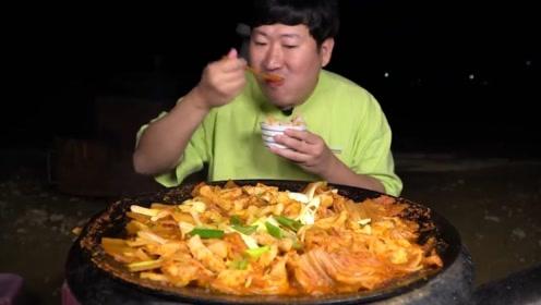 辣白菜炖五花肉?经典美食肥而不腻